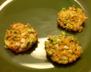 Broccoli Cheddar Quinoa Bites, porción
